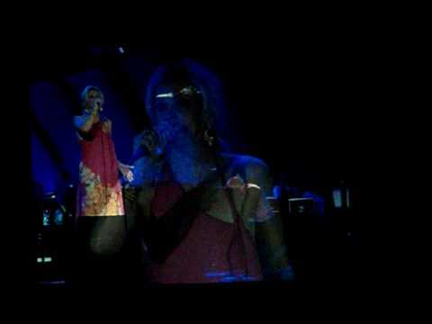 Faith Hill - Paris LIVE