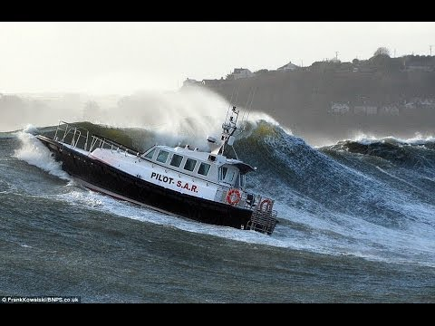top ten most awesome boat crashes collisions sinkings