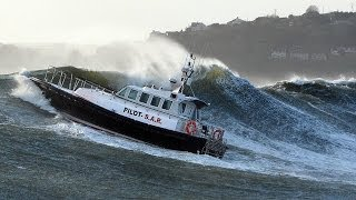 Top Ten most Awesome Boat , Crashes, Collisions, Sinkings and Amazings Sights at Sea