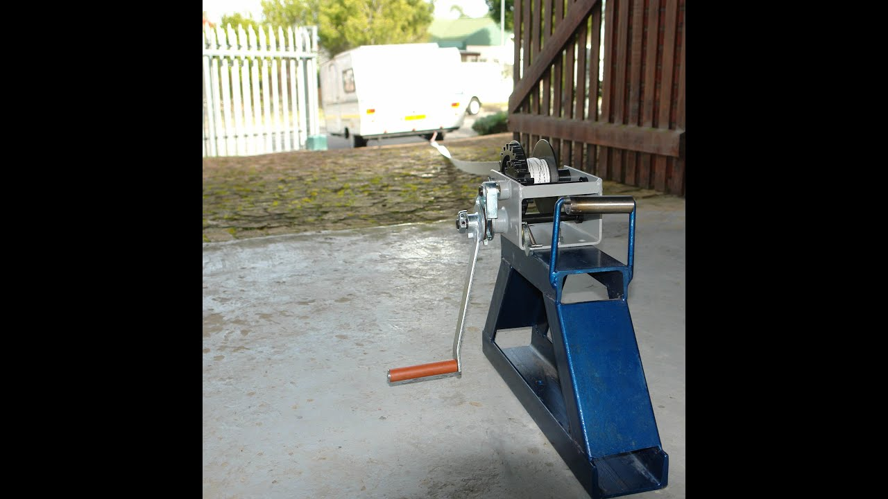 Petingo Manual Winch Used For Caravan Positioning Up Steep