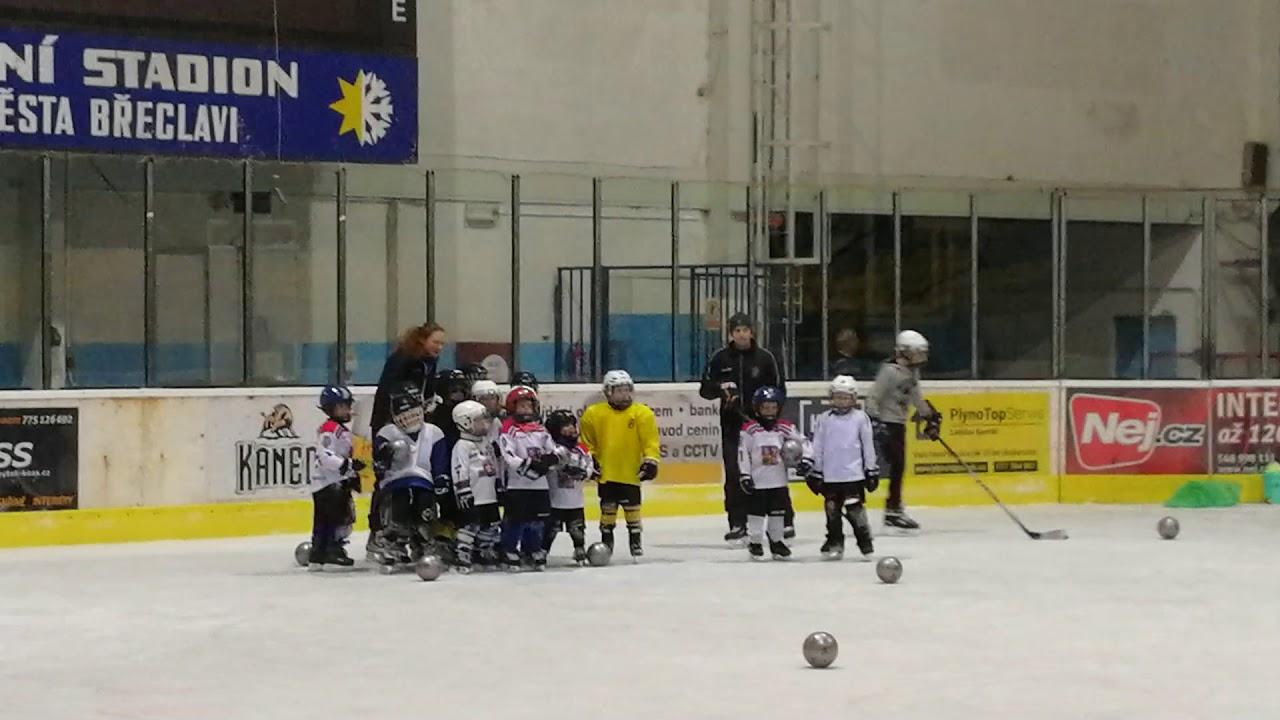 Čert na hokejové přípravce v Břeclavi