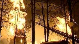 В Иванове сгорела церковь XVII века(В Иванове выясняют, что стало причиной пожара, который накануне вечером почти полностью уничтожил одну..., 2015-11-19T16:24:28.000Z)
