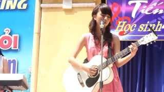 Quỳnh Anh Shyn - Guitar + hát: Giấc Mơ Trưa