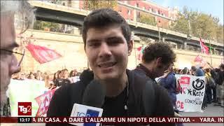 TG2-giorno 12 ottobre 2018 - studenti in piazza in 50 città