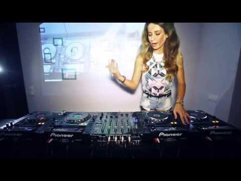 Dj Juicy M - Mixi (Live mix)