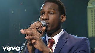 Watch Leon Bridges Twistin And Groovin video