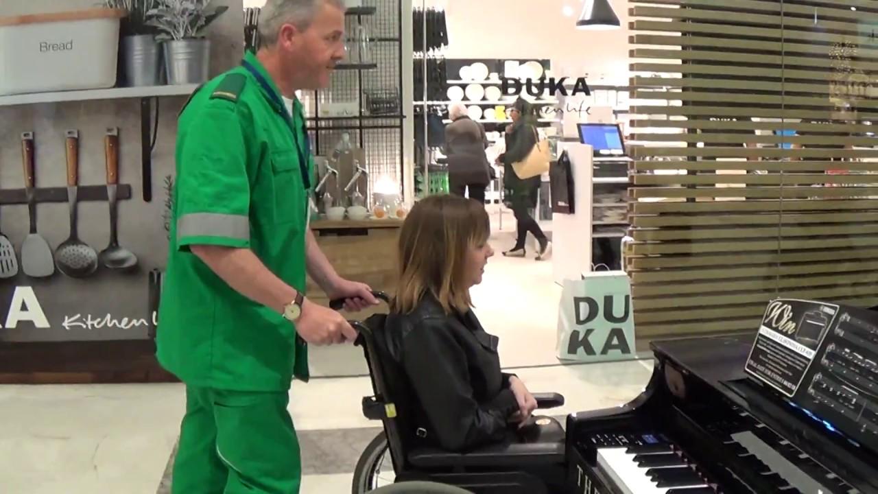 Paramedic Resuscitates Piano at Shopping Centre