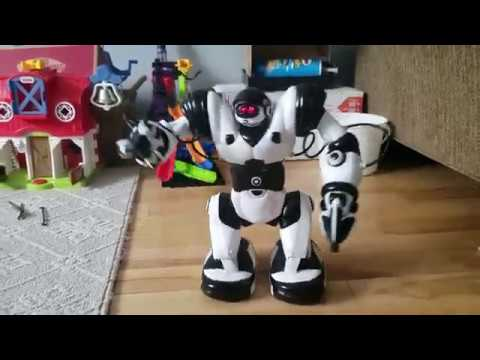 Wowwee robots with