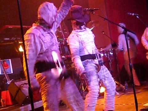 meet the mummies bob and tom