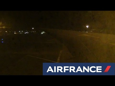 [HD] Air France 777-300ER Night Landing Fort de France ✈️