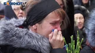 Прошли похороны 14-летнего мальчика, который отравился газом и умер в магазине в Волгограде
