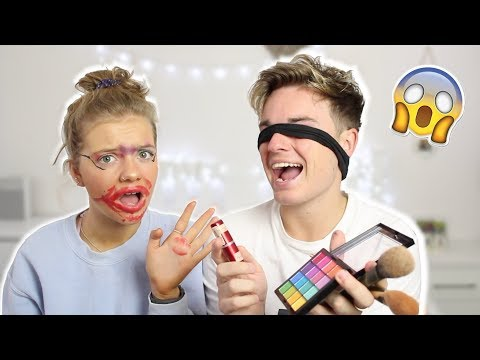DOING MY SISTERS MAKE-UP *BLINDFOLDED*