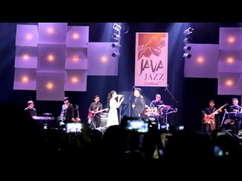 TULUS feat. Rasia - Tuan Nona Kesepian Java Jazz Festival 2014