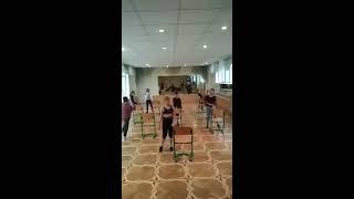 Танцуем хип хоп в школе на уроке хореографии с нашим классом