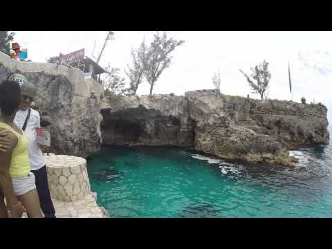 Rick's Cafe - Cliff Diving - Negril Jamaica