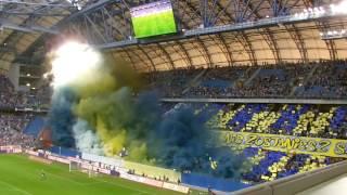"""Oprawa """"Nigdy się nie poddawaj. Nigdy nie zostaniesz sam"""" Lech Poznań - Arka Gdynia 0:0 (25.09.2016)"""