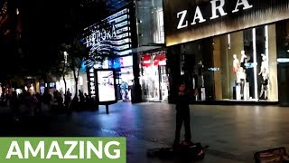 'Game of Thrones' theme song played by street performer