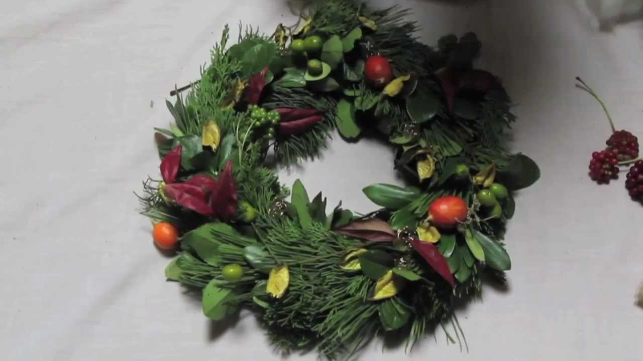 How to make a fresh christmas wreath - How To Make A Christmas Wreath From A Wire Hanger
