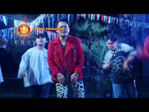 (Official MV) Jol Chhnam Roim Oy Pa Erl Phum - Khan James VCD SD 186