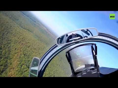 На сверхзвуковой скорости и предельно низкой высоте: видео полётов Су-27 и Су-30 над горами Кавказа