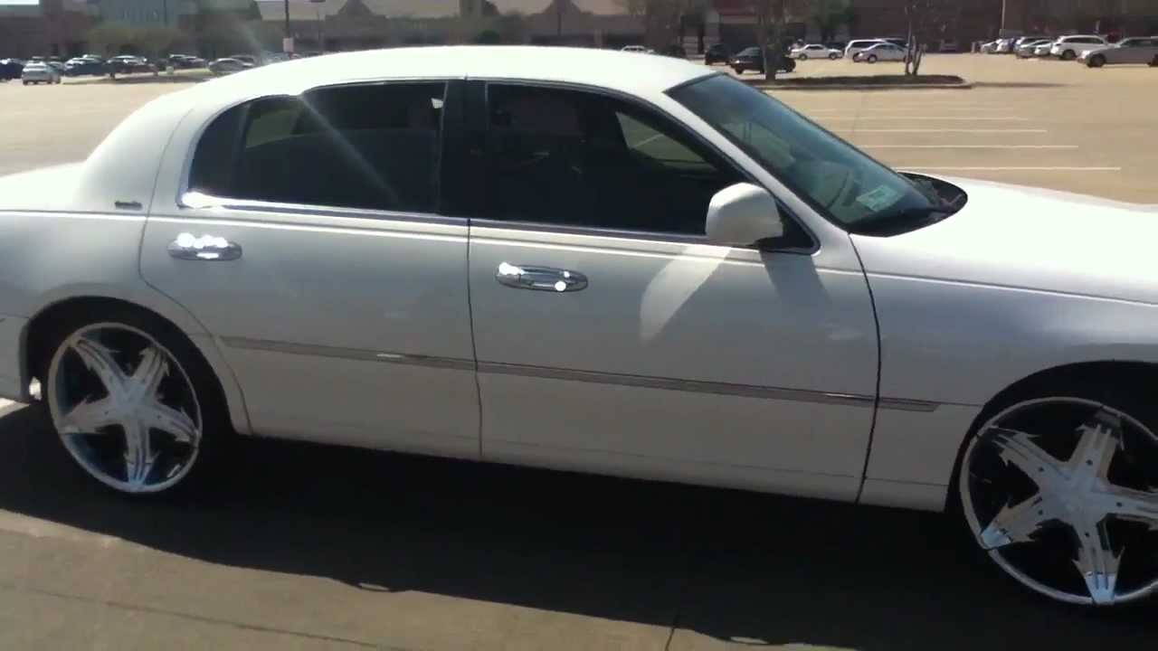 2001 Lincoln Town Car On 22s With Dual Flowmasters And Hids Youtube