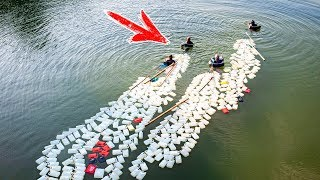 Этого не может быть! Бабушки плывут 3 километра с 200 канистрами за спиной в поисках питьевой воды!