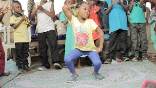 Baixar Time in the Ghetto with the kids brought me to tears | Sherrie Silver