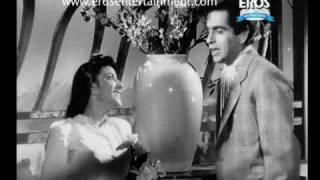 Dilip Kumar tries to impress Nargis - Andaz