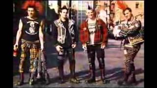 Punks y skins-non servium