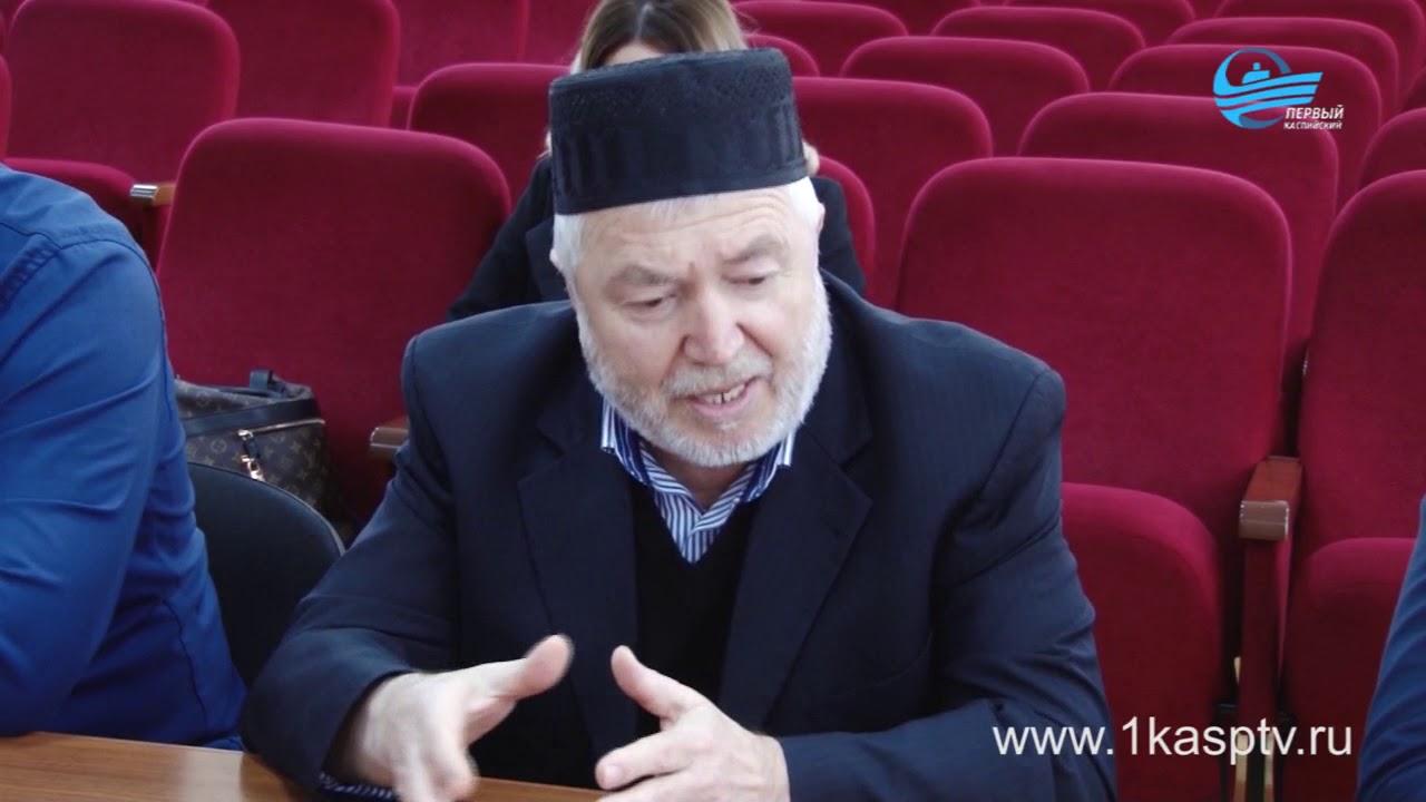 Первое рабочее собрание на новой должности с представителями ответственных служб и религиозными деятелями провел заместитель главы администрации Руслан Махмудов