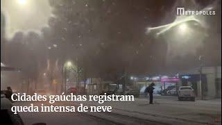 Cidades gaúchas registram queda intensa de neve