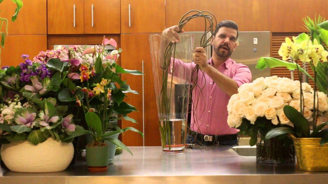La casa con flores episodio 3 arreglo para la sala youtube for Arreglo de sala de casa