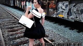 Aubrey London Reviews Lux deVille Handbags - Pin Up Girl accessories Thumbnail