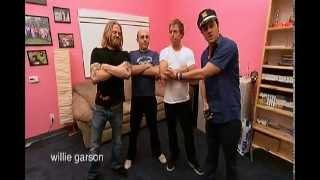 Jackass:Number Two (2006)-Stun Gun Hot Potato (Deleted Scene)