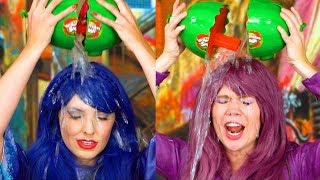 WATERMELON SMASH GAME. We Try the Exploding Watermelon Challenge with Mal vs Evie Characters.
