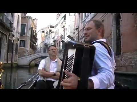 Gondola. That's Amore. Marina. O Sole Mio