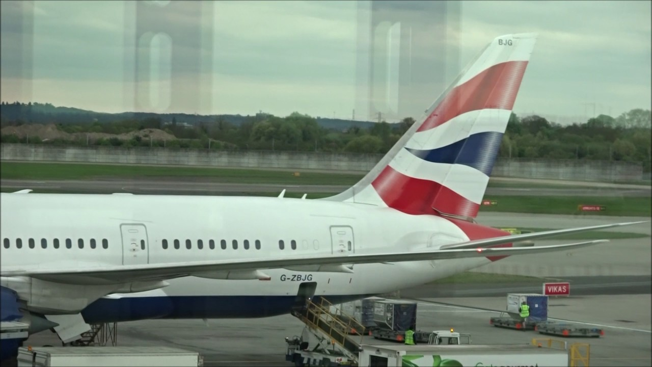 946f534594a8 British Airways BA95 - London to Montreal - Boeing 787-8 (G-ZBJG ...