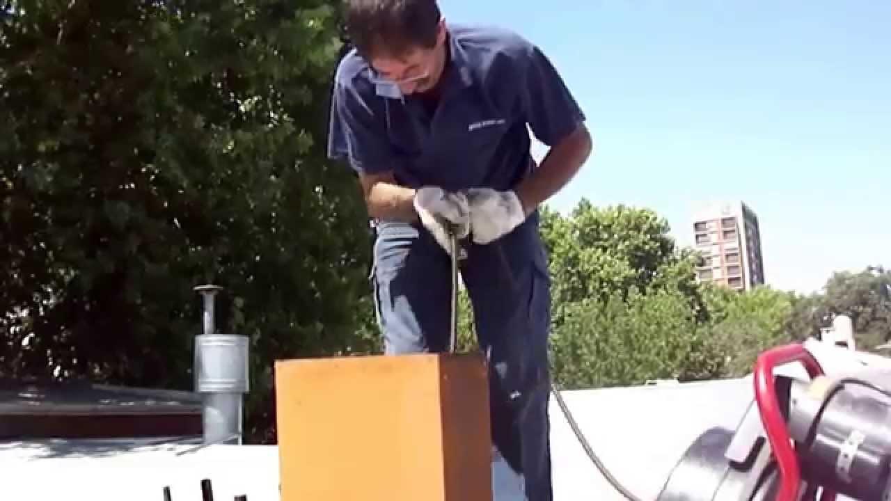 Limpieza de chimeneas deshollinador antiplaga norte en for Cepillo deshollinador chimeneas