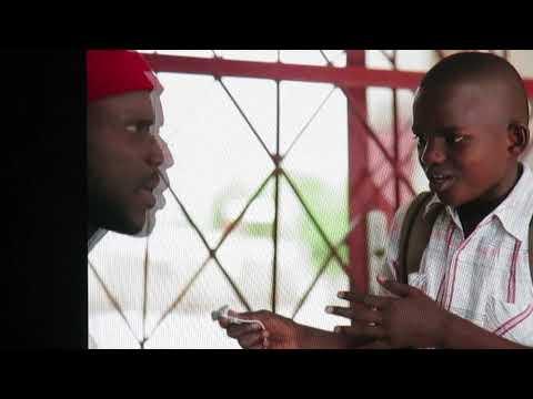 Bercy 2017: Sanekh avec le petit Moustapha … à mourir de rire!