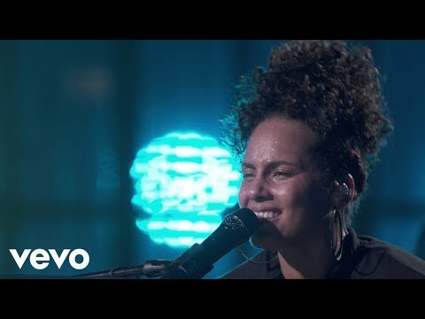 Alicia Keys - Fallin' (Live from Apple Music Festival, Londo