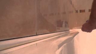 2. заделать стык между ванной и кафелем стеной