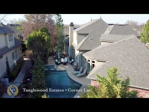South Tulsa Luxury Home | 9418 S Jamestown Ave