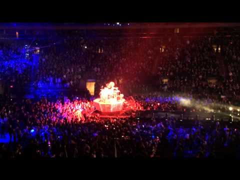 Yoshiki Drum Solo and Forever Love - X Japan at Madison Square Garden 10/11/2014.