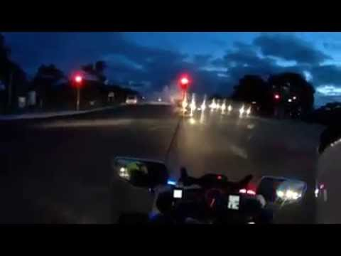 WA Police catch driver doing burnouts at traffic lights