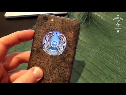 iPhone 6s в дереве со светящимся гербом Казахстана