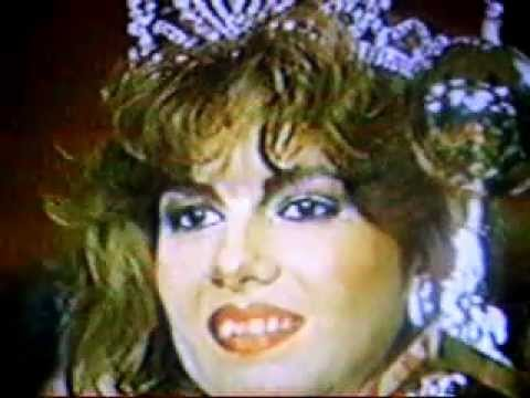 Julia  Mora, Miss El Salvador being crowned
