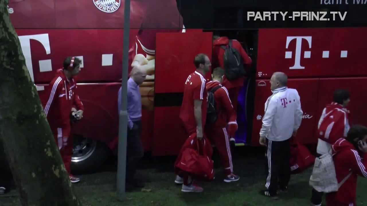 Bayern Munchen Hotel Abfahrt Vorm Dortmund Spiel