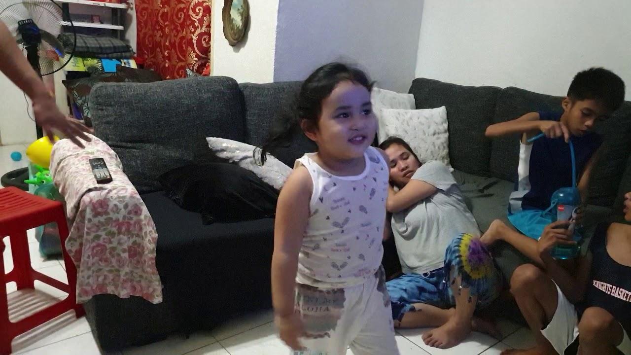 Aashta singing her favorite (Frozen) - YouTube