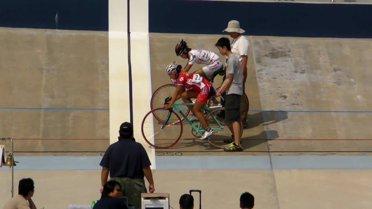 Hong Kong Cycling Events on 23 October pak shek 19 - YouTube