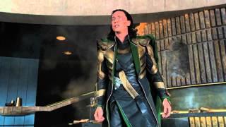 Прикол из фильма Мстители 2012 BDRip